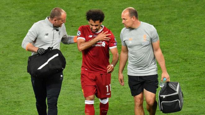 Salah se retira lesionado de la final de la Champions.