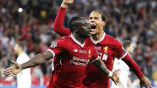 Mané celebra el único gol del Liverpool en la final de la Champions...