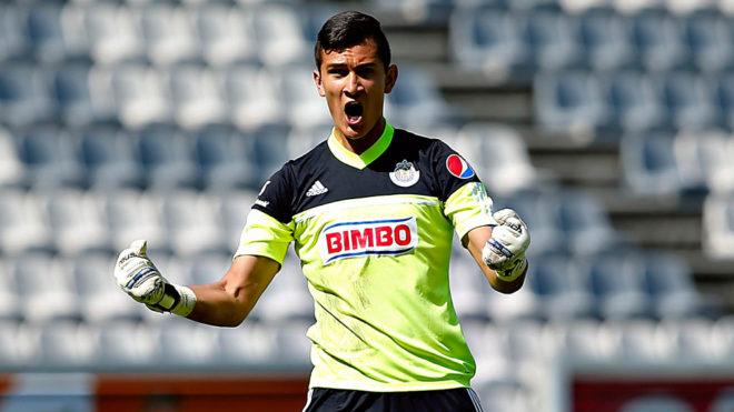 Oficial: Raúl Gudiño es nuevo jugador de Chivas