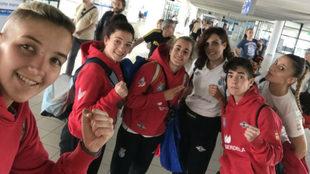 Las seis púgiles españolas presentes en Bulgaria.