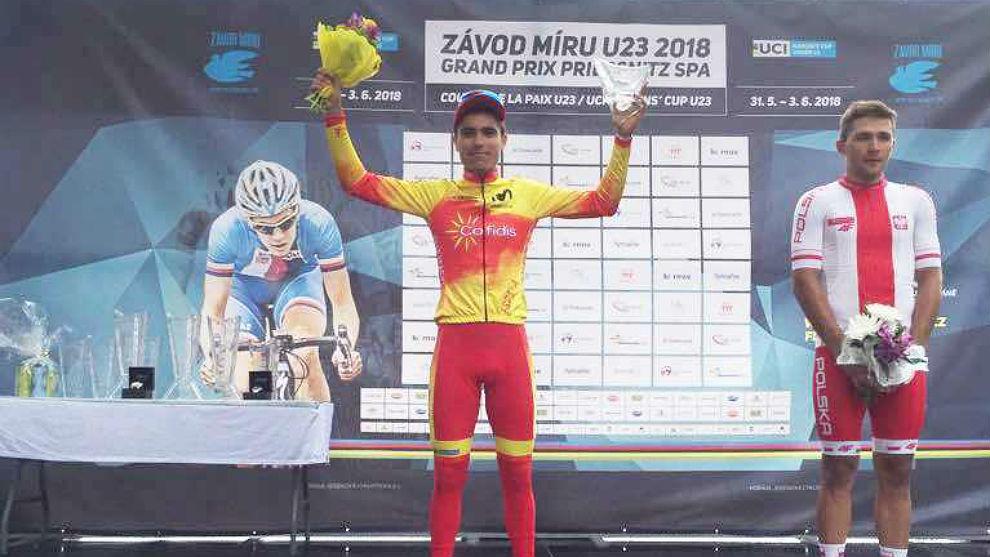 En el podio de la carrera checa del Gran Premio Priessnitz.
