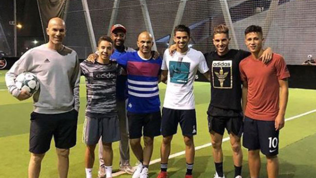 Zidane posa antes del partidillo