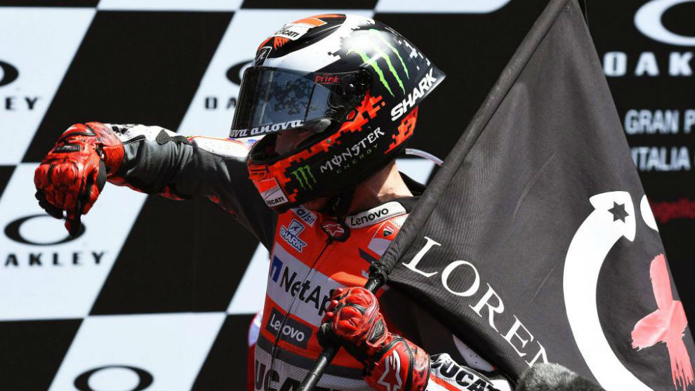 Jorge Lorenzo celebrates hsi victory in Italy
