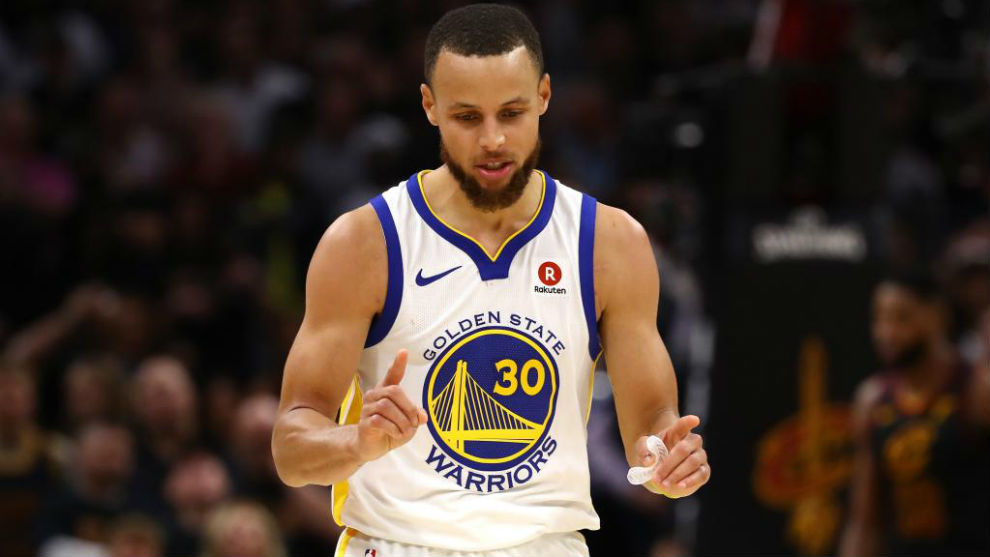 Pese a la victoria de los Warriors, Curry no brilló como en otras...