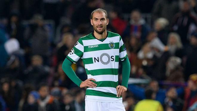 Bas Dost, en un partido con el Sporting de Portugal.