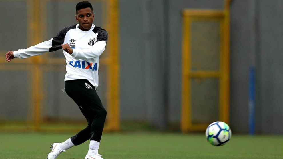 Real Madrid set to beat Barcelona to Rodrygo signing