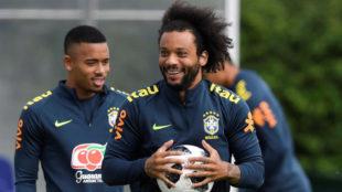 Marcelo, en un entrenamiento con Brasil