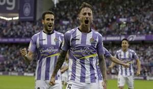 El central Calero celebra el gol que abrió el camino de la victoria...