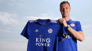 Evans con la camiseta del Leicester