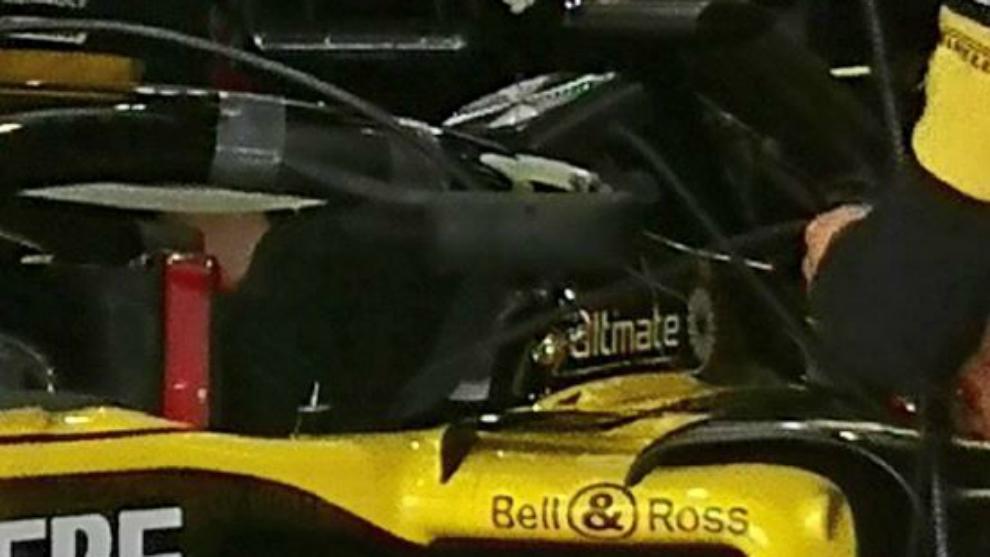 Renault RS18, con sus retrovisores fijados al halo