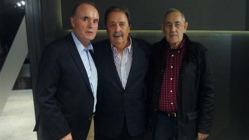 García Cuesta, con Juan de Dios Román y e José Antonio Revilla,...