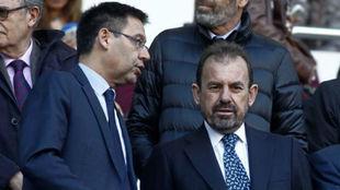 Bartomeu y Torres, en el palco del Camp Nou.
