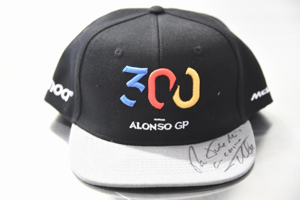 Gorra conmemorativa de los 300 G.P. de Fernando Alonso (ES) McLaren MCL33 Renault Gran Premio de Canadá 2018. 7ª prueba del mundial. Circuito Gilles Villeneuve, ële Notre-Dame, Canadá. Jueves 07 de Junio, 2018. *** Local Caption *** RUBIO