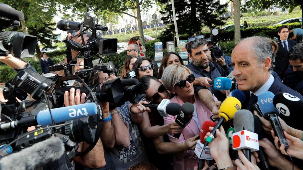 Anticorrupción pide procesar a Camps por prevaricación y malversación