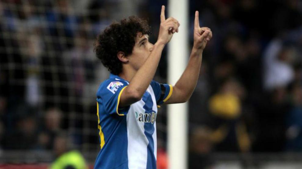 Coutinho celebra un gol con el Espanyol.