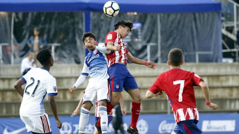 Imagen de uno de los partidos que disputó ayer el Atlético.
