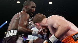 Crawford golpea a Jeff Horn