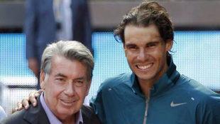 Manolo Santana junto a Rafa Nadal en el Mutua Madrid Open.