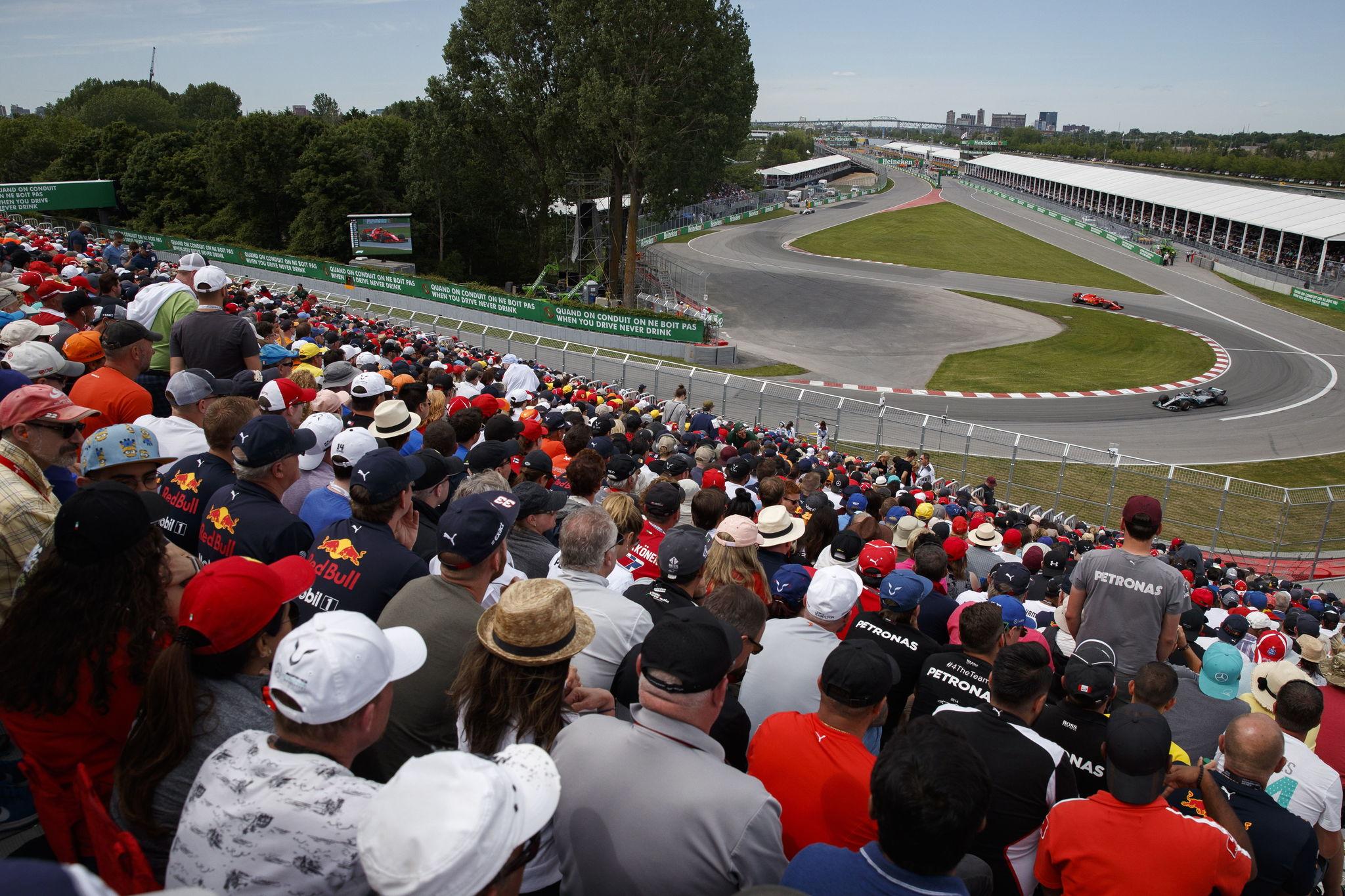 Kimi Raikkonen, persiguiendo a Hamilton durante la carrera