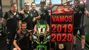Jonathan Rea, junto al equipo Kawasaki