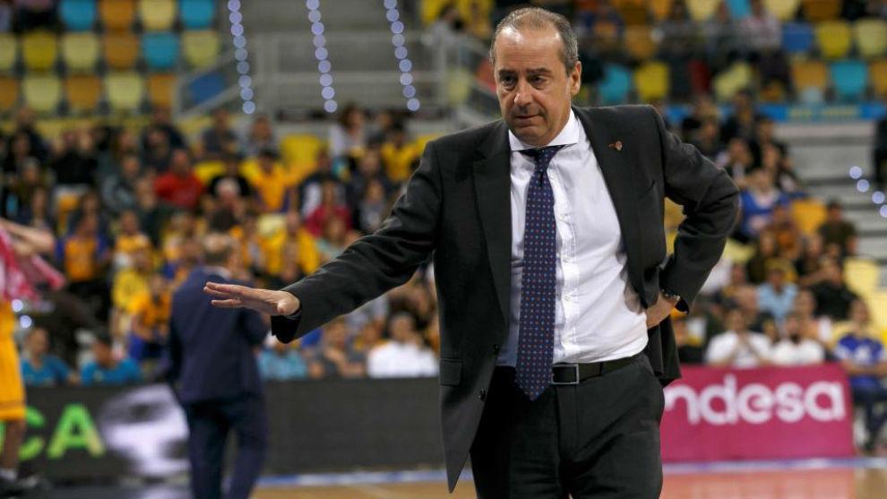 Txus Vidorreta, durante un encuentro del Valencia Basket.