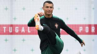 Cristiano Ronaldo, en un entrenamiento con la selección portuguesa