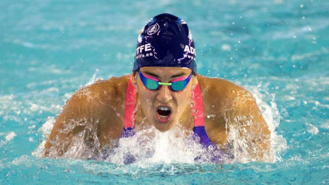 Michelle Alonso, en los 50 metros braza durante el Campeonato de...