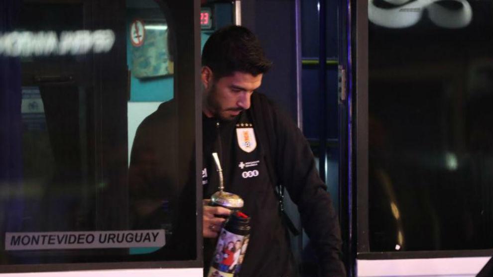 Luis Suárez, con su habitual yerba mate.