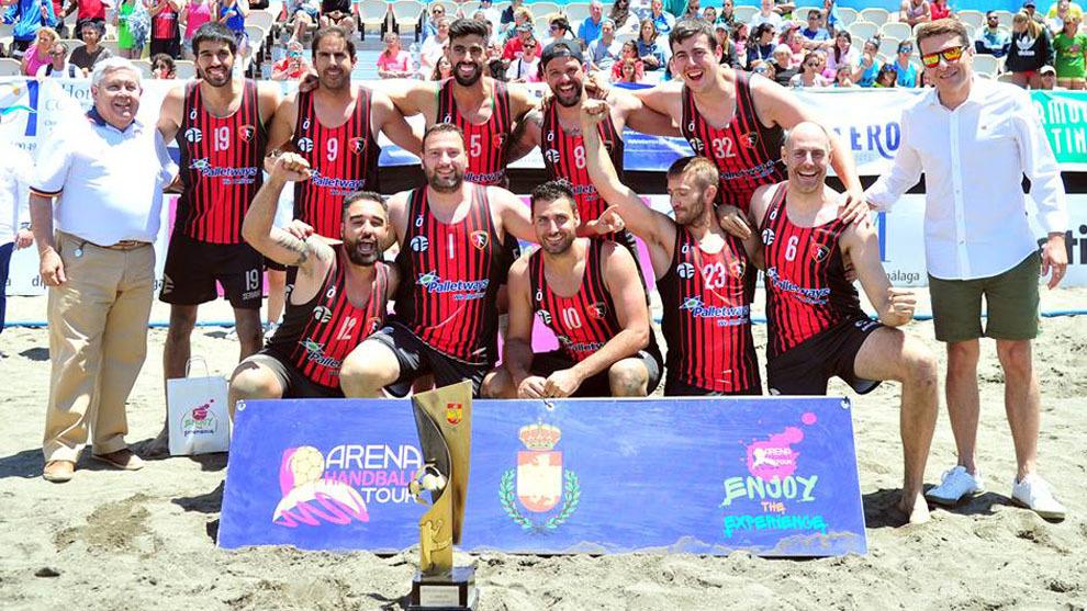 Los jugadores del BMP Azuqueca de Henares celebra el título