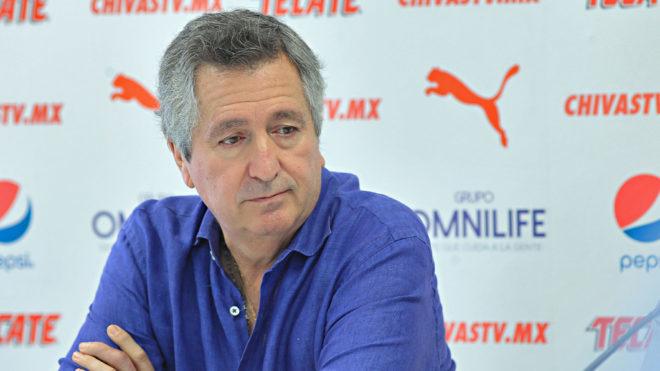 Chivas presentó a José Saturnino Cardozo como nuevo entrenador — Por Matías Almeyda