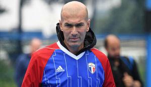 Zidane durante el acto publicitario.