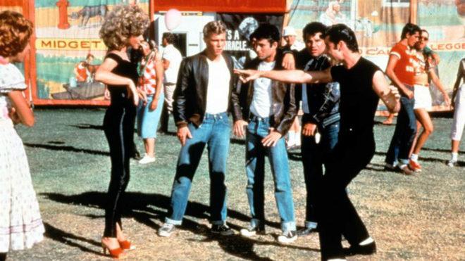Sandy y Danny Zuko, interpretados por John Travolta y Olivia...