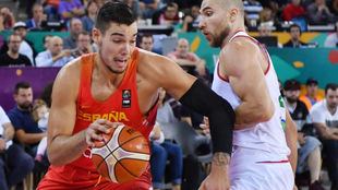 Willy Hernangómez jugando el EuroBasket 2017 con España