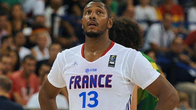 Boris Diaw jugando el Mundial 2014 con Francia
