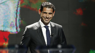 Hierro, sonriente en el sorteo de la Liga de Naciones