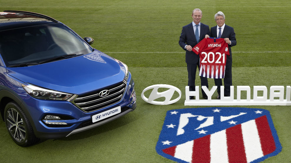 Hyundai's CEO and Enrique Cerezo