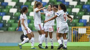 Jugadoras de la selección española Sub'20 celebrando un gol.