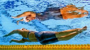 La estadounidense Kathleen Baker, ganadora del os 100 espalda.