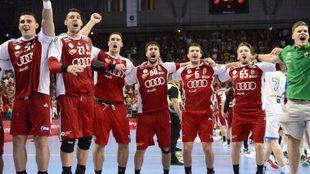 Los jugadores de Hungría celebran el pase al Mundial de 2019