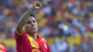 Raúl Ruidiaz celebra un gol con Monarcas Morelia