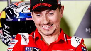 Lorenzo sonríe en la rueda de prensa de hoy en Montmeló