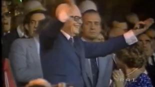 Sandro Pertini celebra el triunfo italiano en el Mundial 82 desde el...