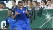 Issa Diop celebra un gol con la selección francesa sub 21.