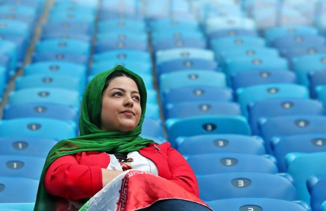 St.petersburg (Russian Federation), 15/06/2018.- A supporter of Iran...