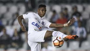 Rodrygo, en un partido con el Santos