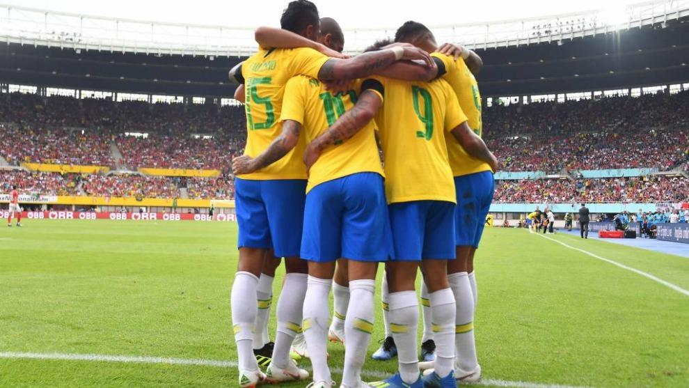 Brasil vence a Serbia y se adjudica liderato del Grupo E