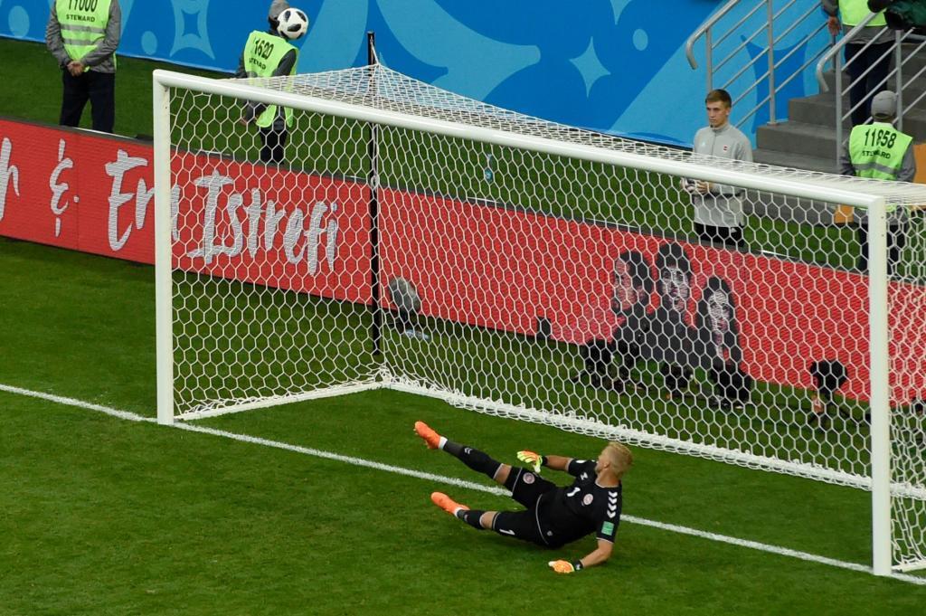 Dinamarca vence a Perú por la mínima
