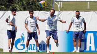 Higuaín, en el entrenamiento.