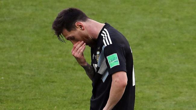 Messi, cabizbajo tras el partido ante Islandia.