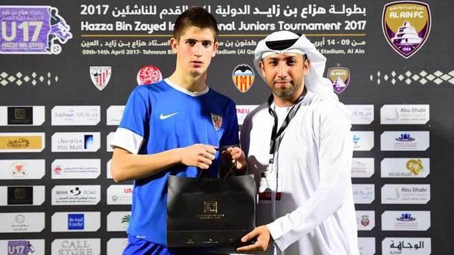 Oihan Sancet, nombrado mejor jugador del torneo Hazza Bin Zayed en...